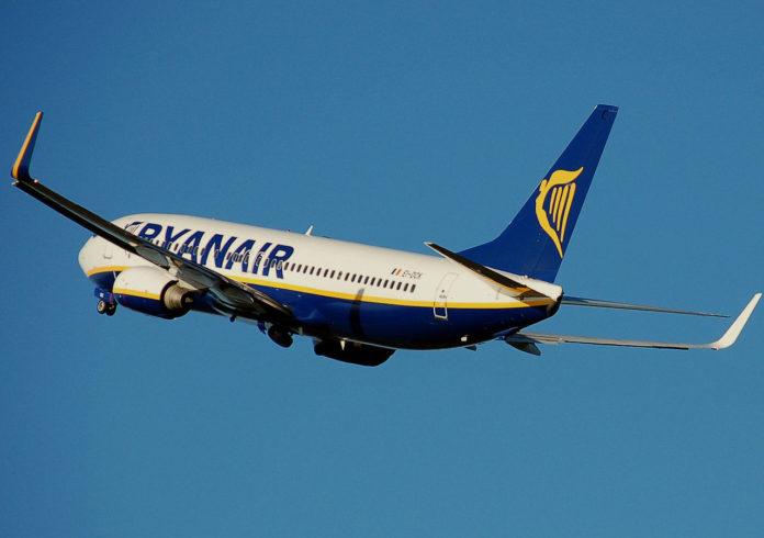 Ryanair B737-800