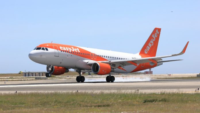 Easyjet Reaches Out To Students To Consider A Career As A Pilot
