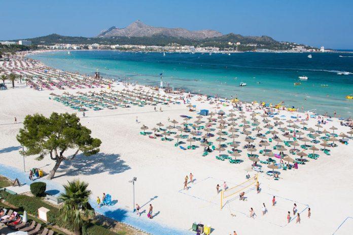 Alcudia has a family friendly beach