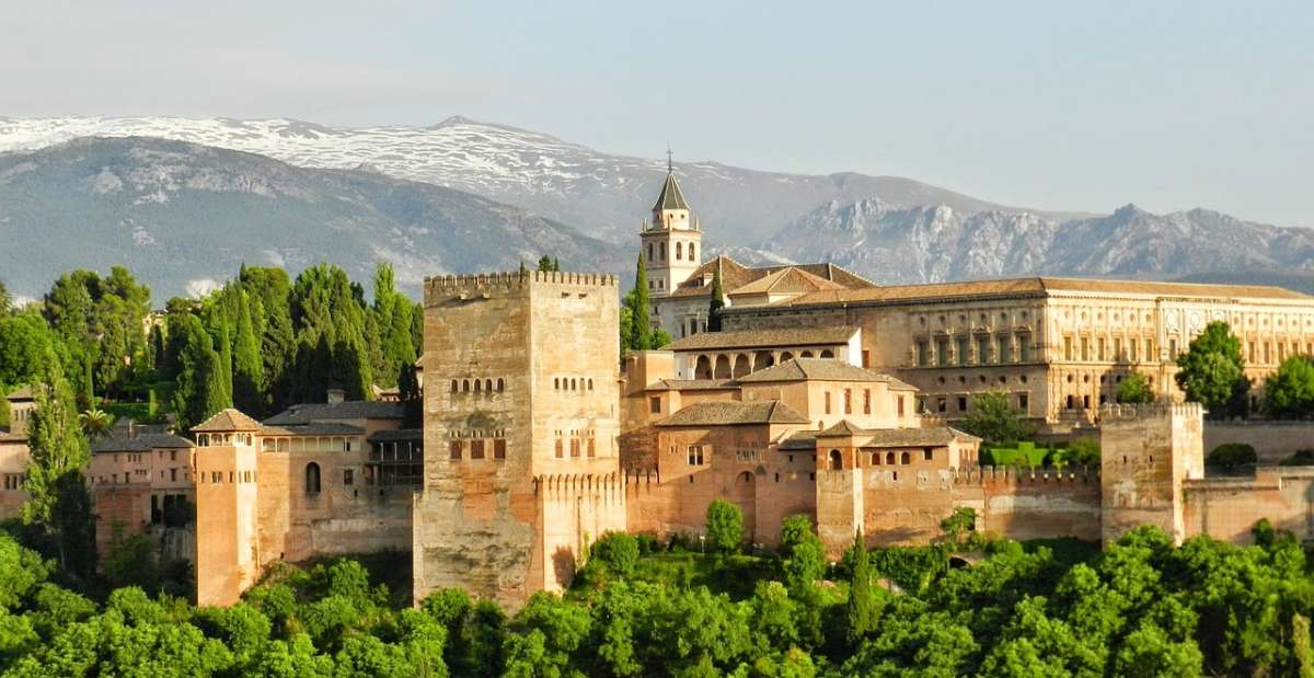 Travel guide 24 hours in granada spain for El jardin de gomerez granada