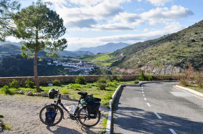 Cycling in Atajate in Malaga