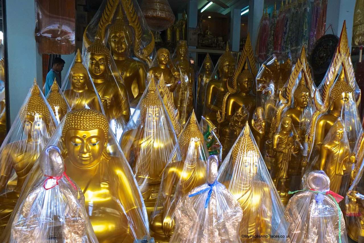 Bangkok - selling buddhas