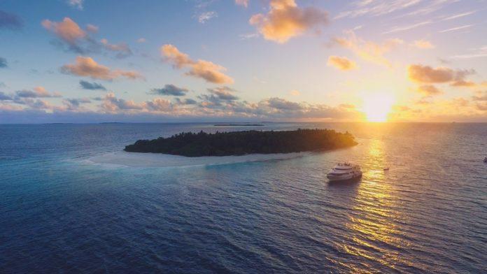 Carpe Diem Beach Resort & Spa, Maldives