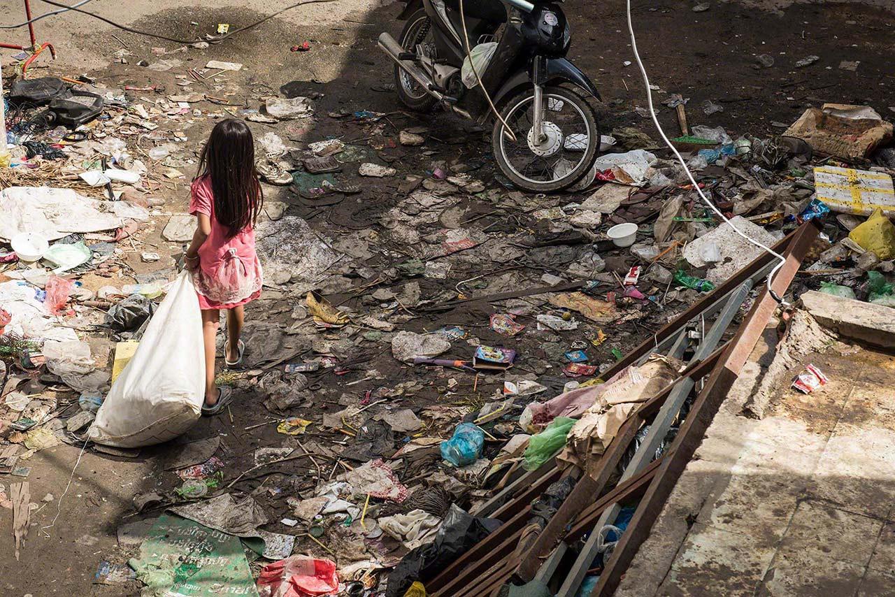 Little girl in a slum in Phnom Penh