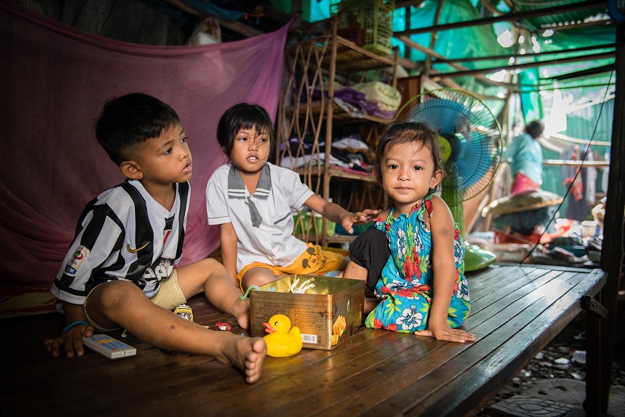Slum children in Phnom Penh