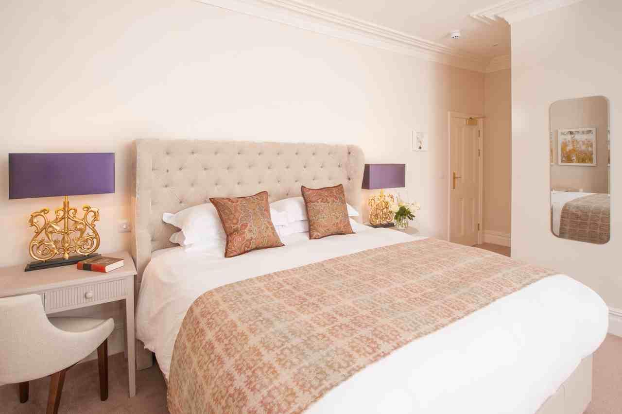 Charm Hotel bedroom 19