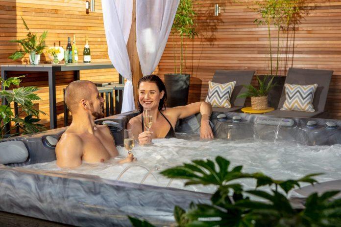 Charm hot tub