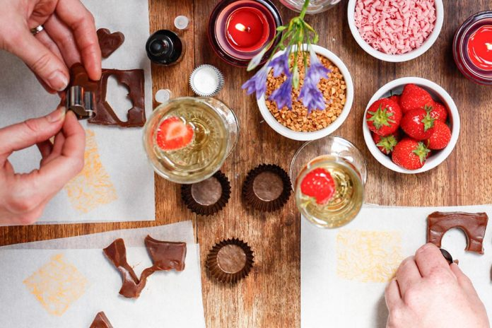 Chocolate workshop with Prosecco for two