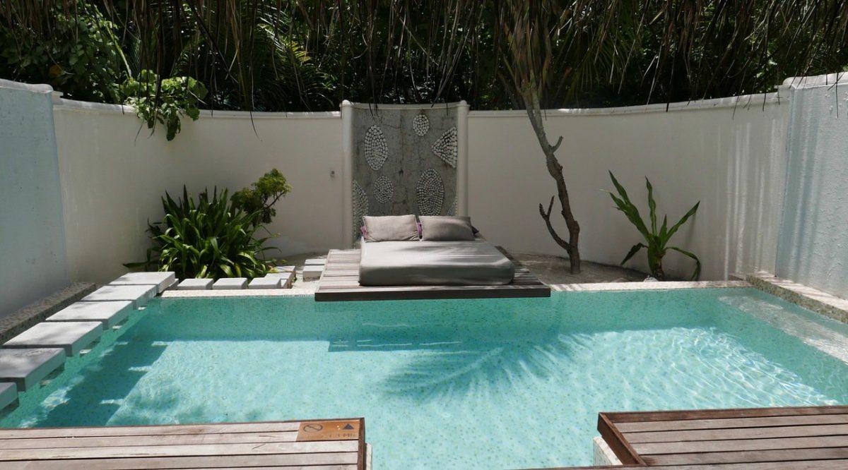 Coco Bodu Hithi Island Villa pool