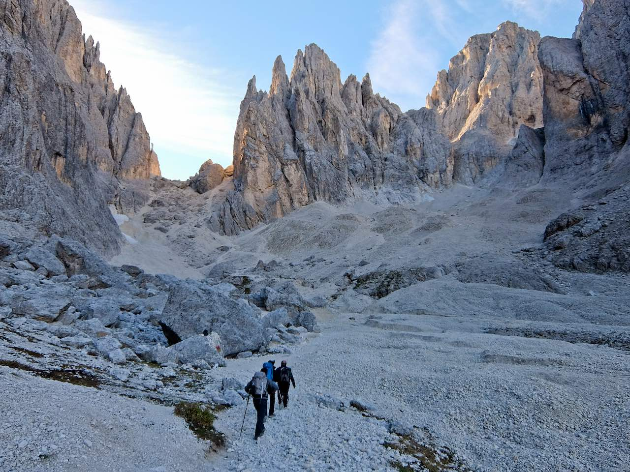 Crown of Gardena - Descending from Rifugio Toni Demetz