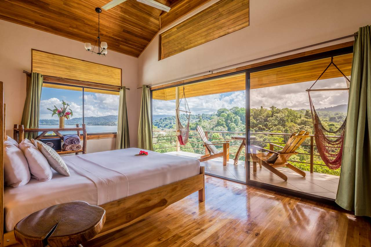 Dake Bay Getaway Resort: a room with a view