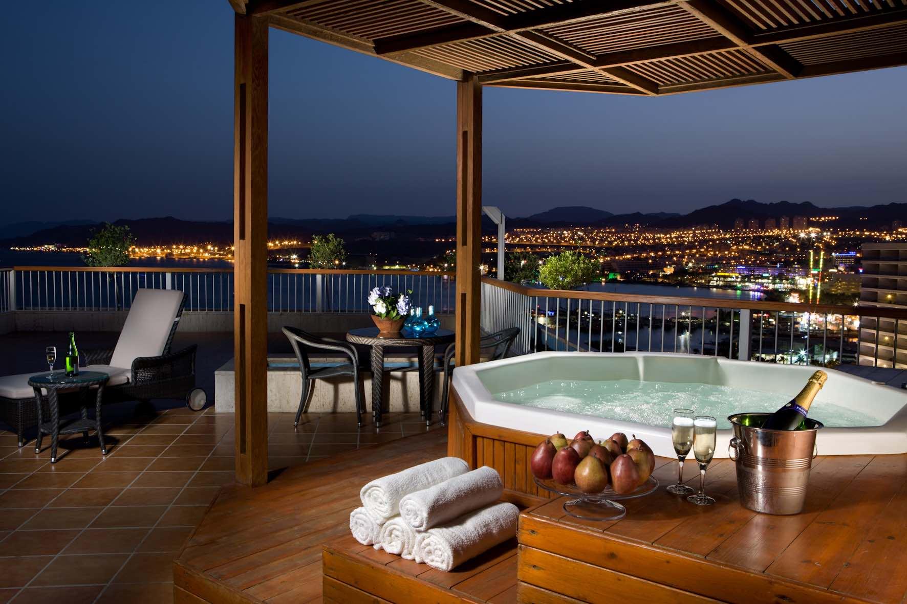 Dan Hotel, Eilat, Israel - jacuzzi