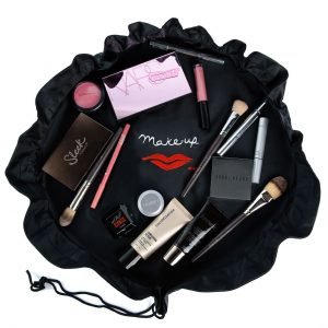 Dinna Make-up case open