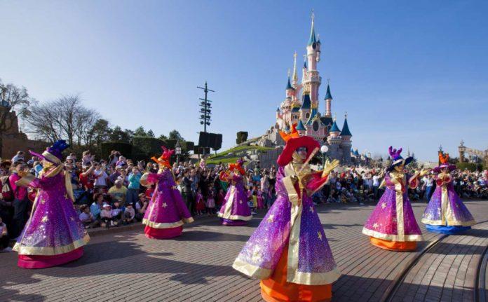 Disneyland Paris - Disney Magic on Parade