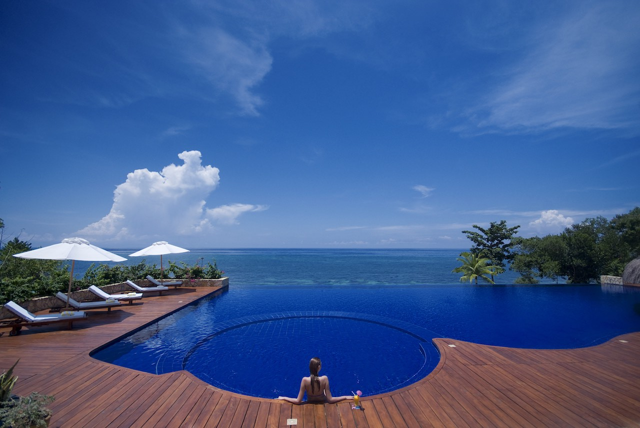 Eskaya Beach Resort & Spa - Commnon Infinity Pool