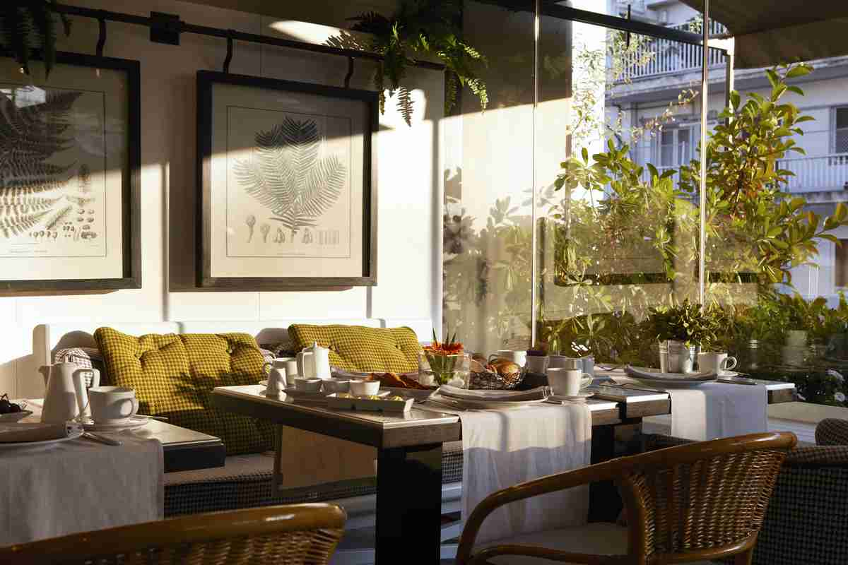 Excelsior Thessaloniki: roof garden breakfast room