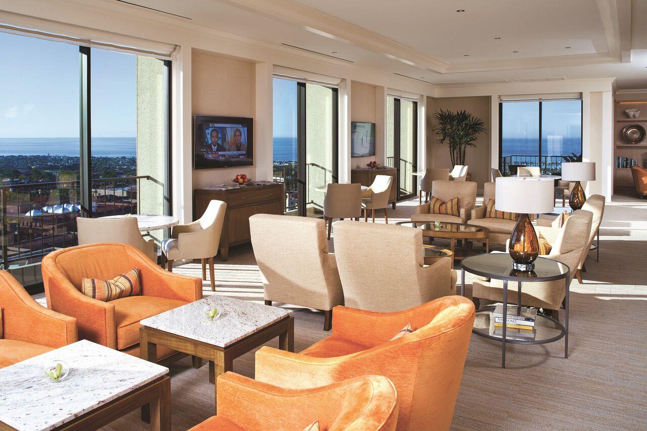 Fashion Island Hotel - Club