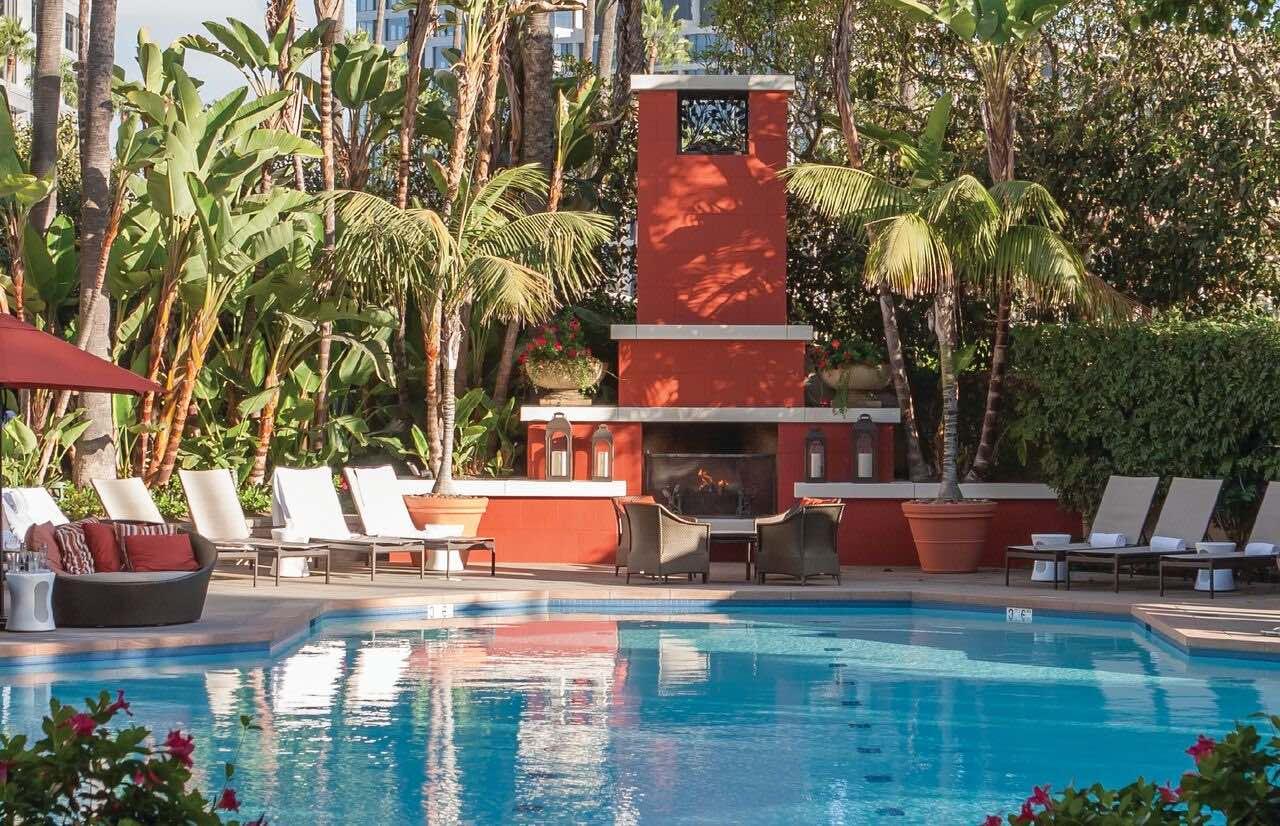 Fashion Island Hotel - pool