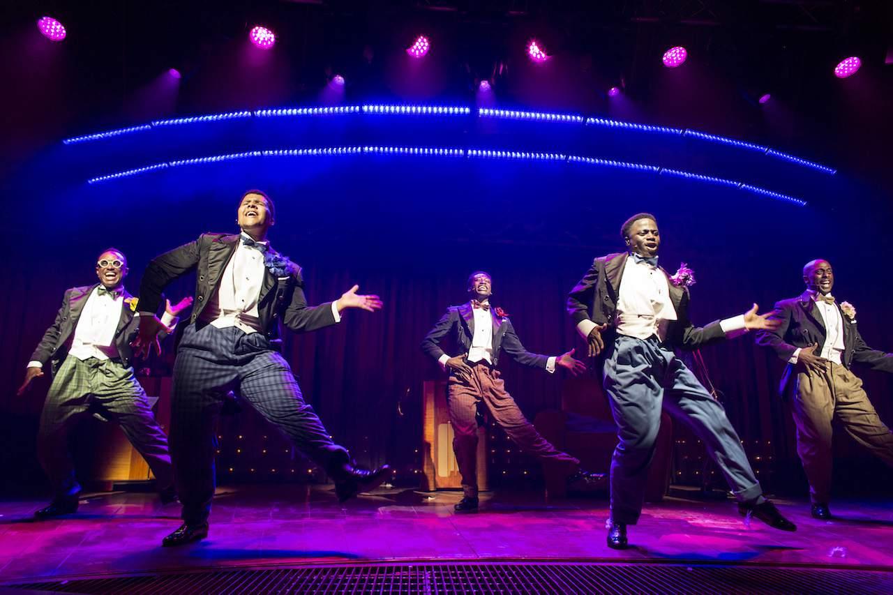 Five Moes Dancing