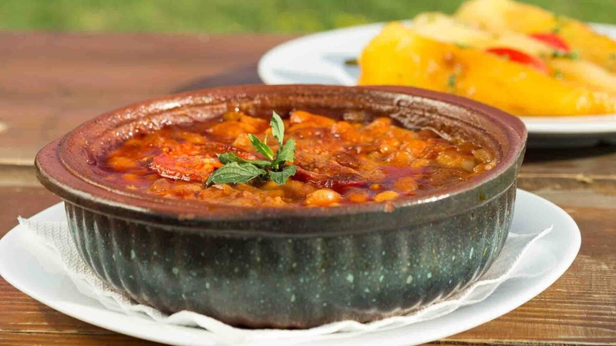 Rich stews are served baked in earthenware pots