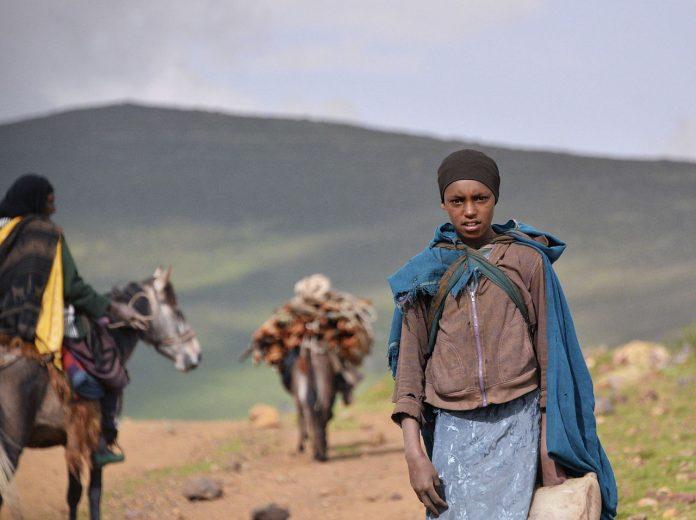 Ethiopian girl on the Sanetti Plateau