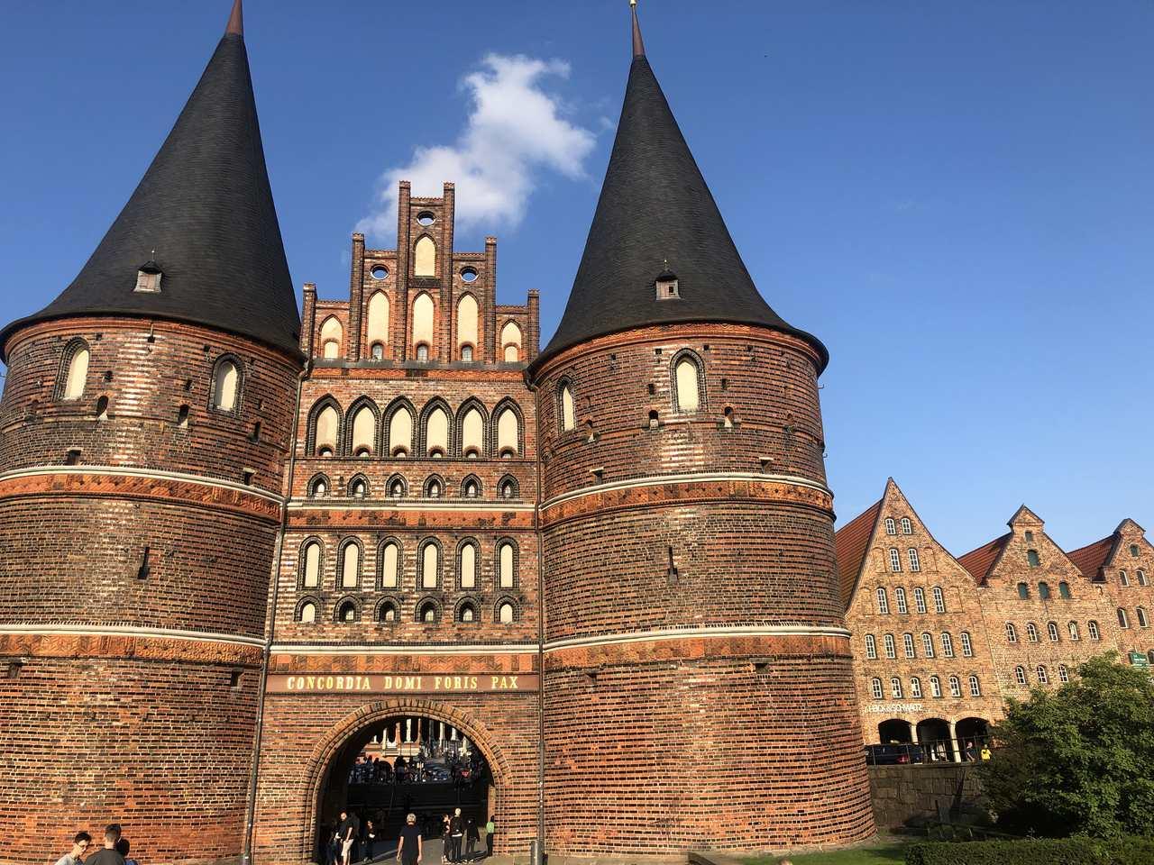Gothic Holstentorplatz