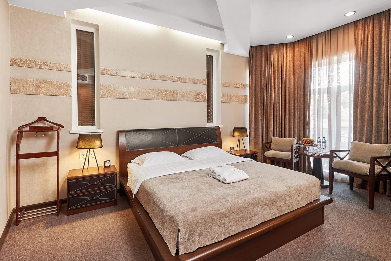 Grand M Hotel, Navoi, bedroom