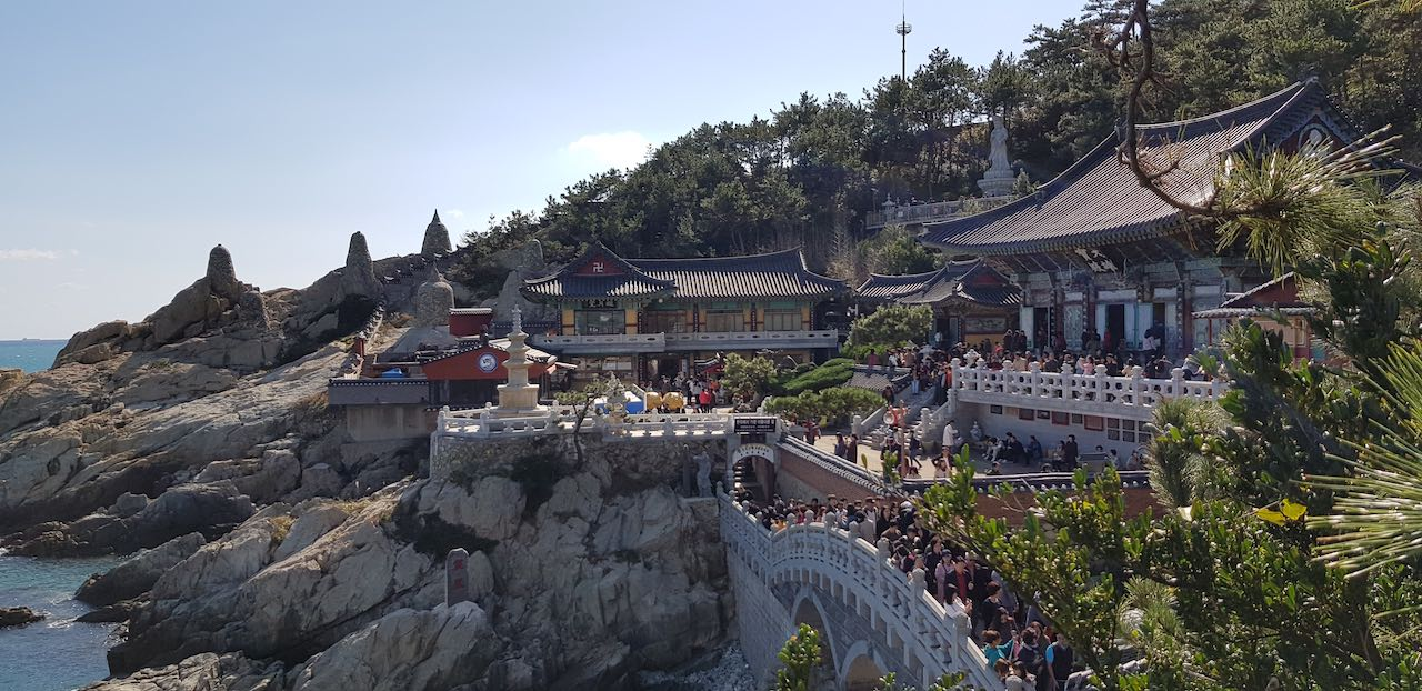 Haedong Yonggungsa Seaside Temple 4