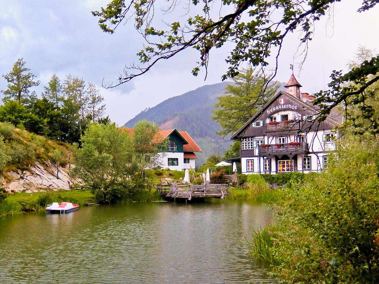 Herkuleshof, Austria