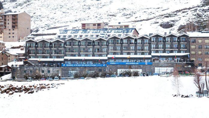 Hotel Piolets Soldeu Centre winter