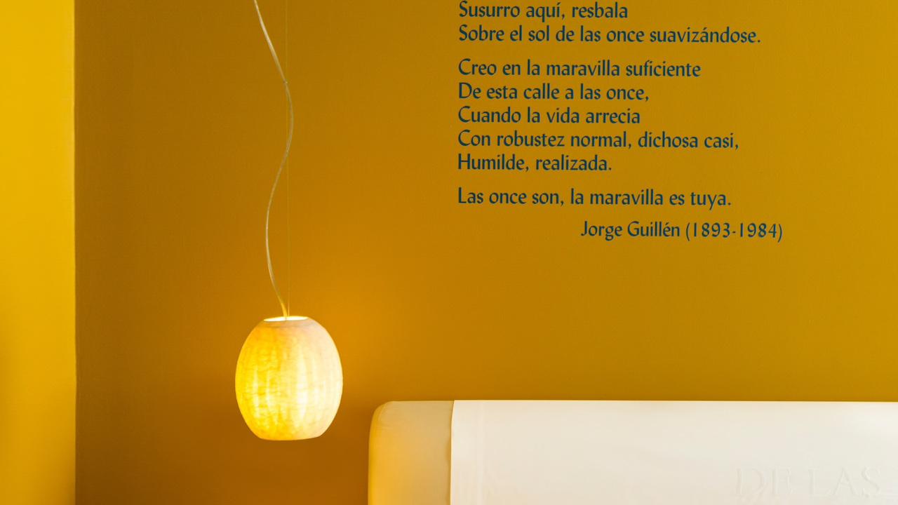 Iberostar Las Letras Gran Via - poetry on the walls
