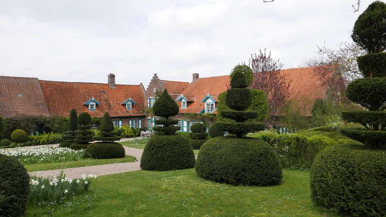 Les Jardins Des Monts D Or two fun reasons to visit the village of cassel in flanders