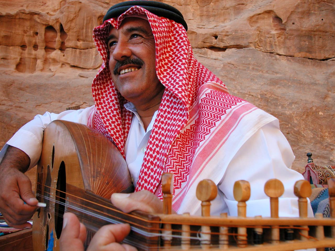 Jordan - musician in traditional clothes