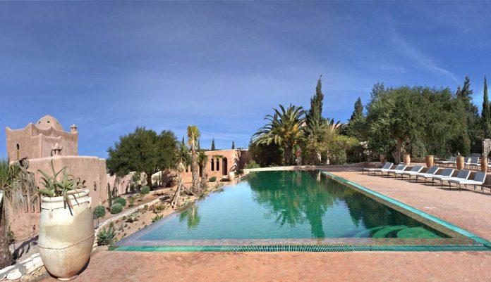 Le Jardin des Douars swimming pool
