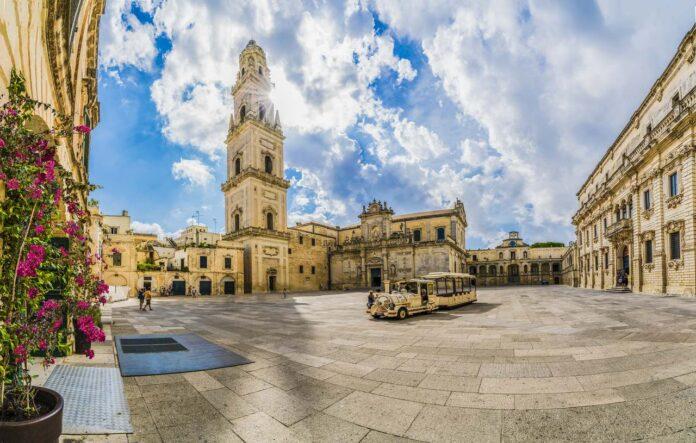 Piazza del Duomo square in Lecce