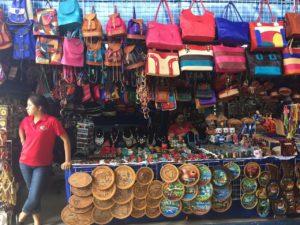 Arts and crafts at Mercado
