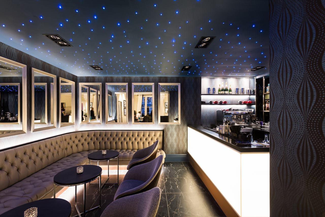 Mercure hyde Park Bar