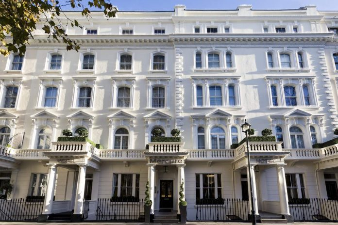 Mercure Hyde Park - front exterior