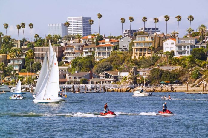 The scenic Entrance Channel offers boats of all types easy access to Newport Harbor and Newport Bay.