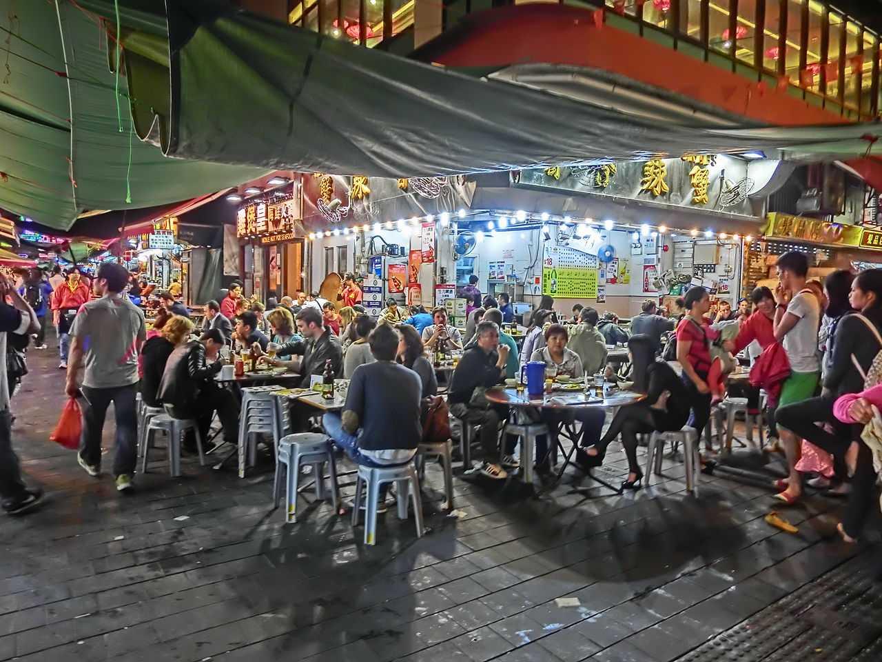 Night restaurants & stalls in Temple Street, Jordan Road, Hong Kong