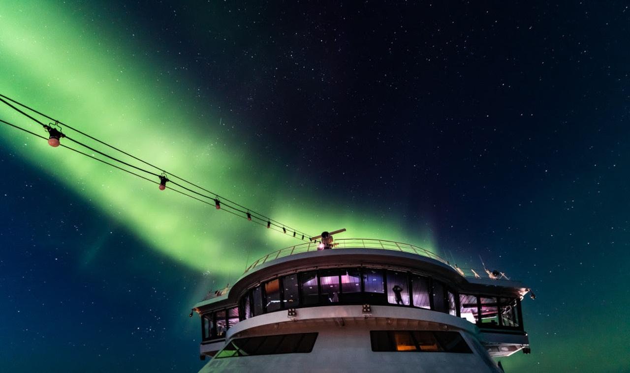 Northern lights over MS Roald Amundsen in the Northwest passagec. KARSTEN