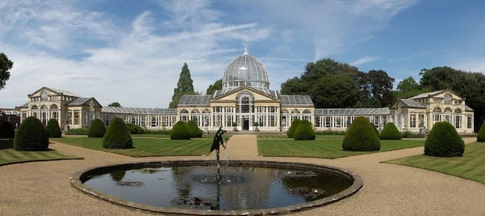 Panorama of The Great Conservatory and Fountain at Syon House