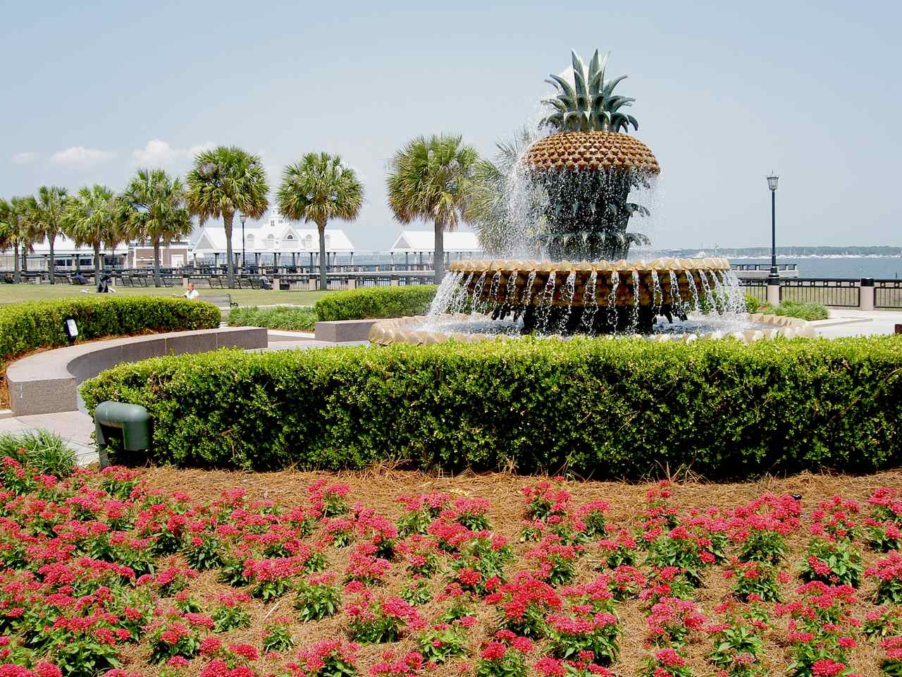 Pineapple Fountain, Waterfront Park