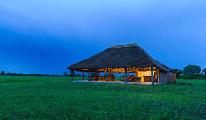 Pinnon Lodges - at dawn