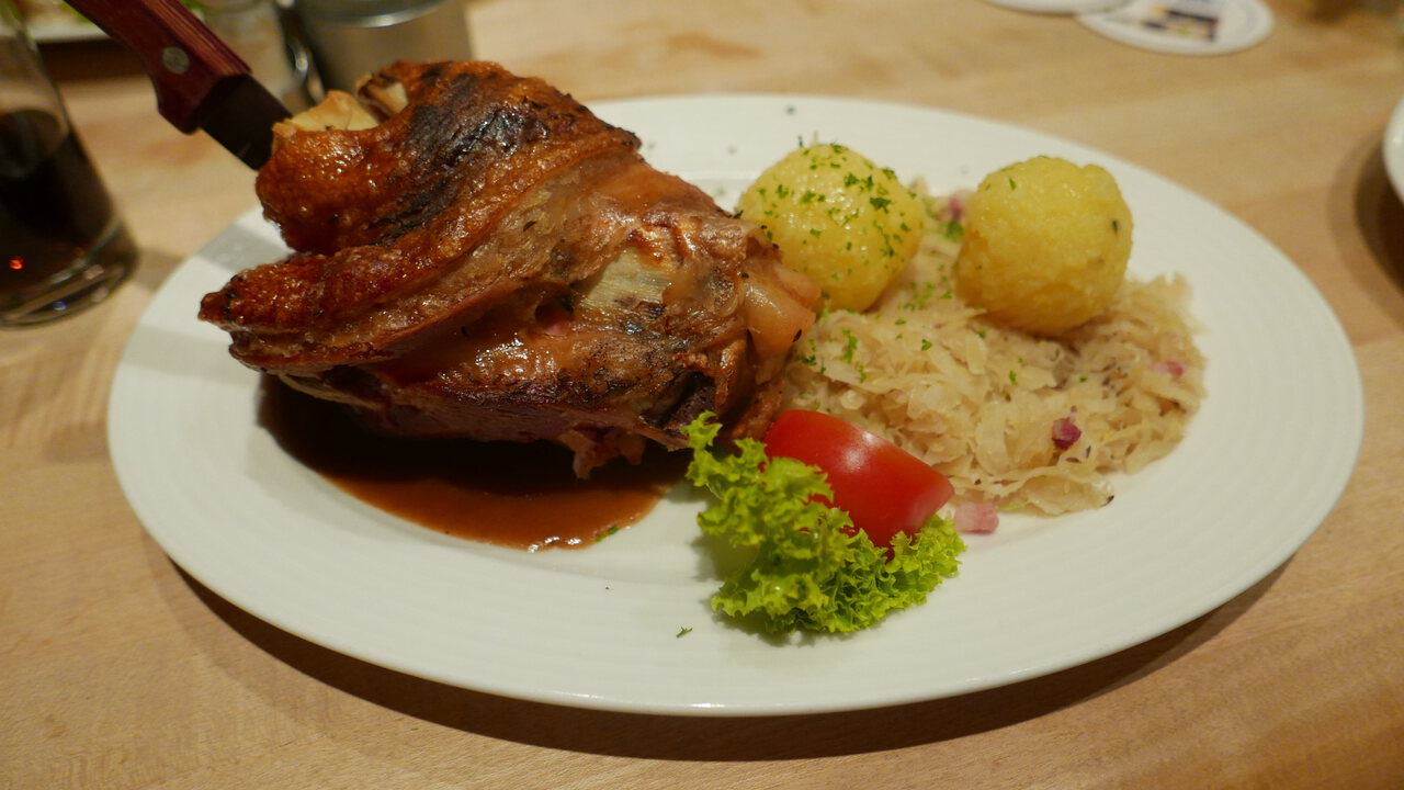 Pork knuckle at the Weinkeller altes Rathaus