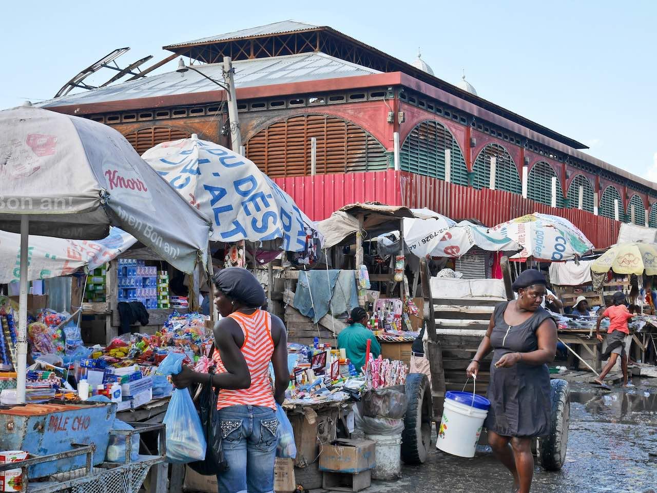 Port au Prince Marche en Fer