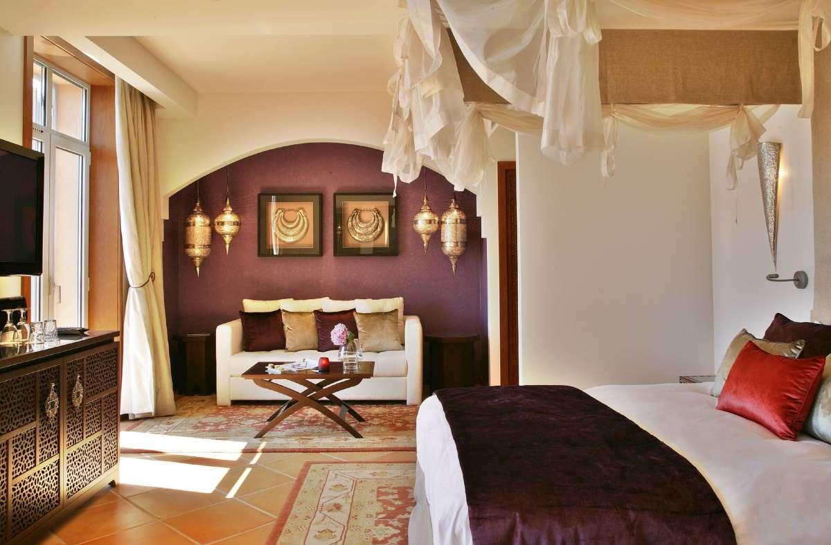 Tiara Yaktsa: Prestige Room