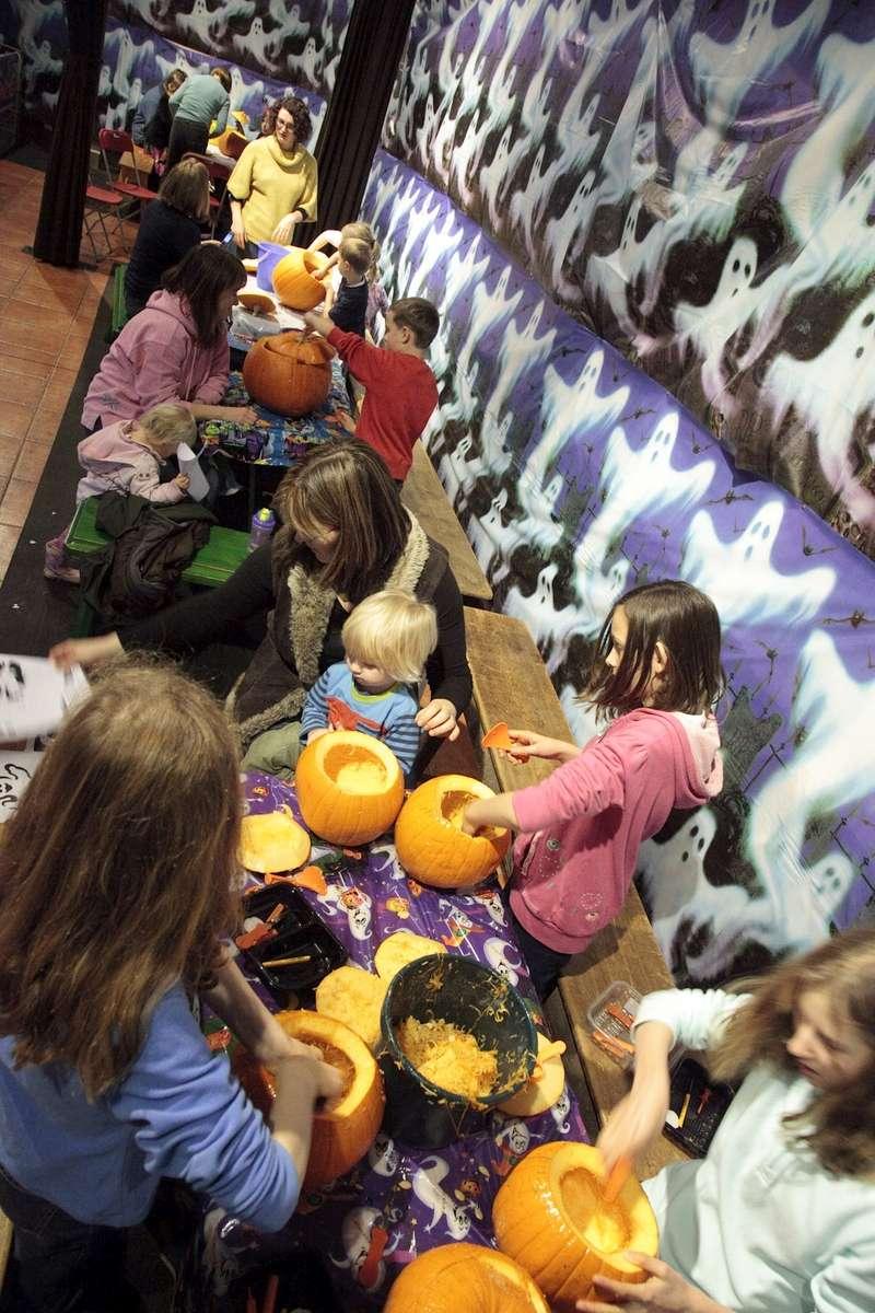 Pumpkin Carving - Half Term Halloween Hoot, Chatsworth