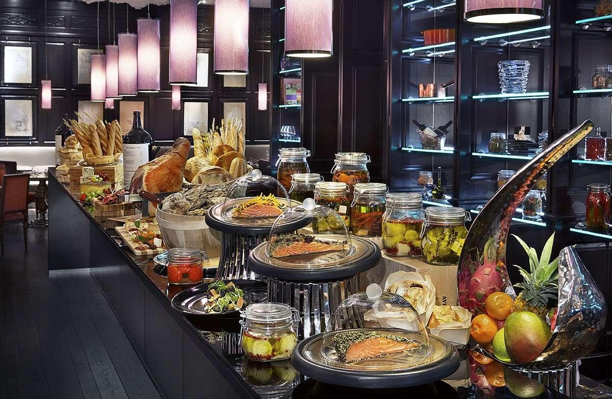 Ritz Carlton, Moscow: buffet restaurant