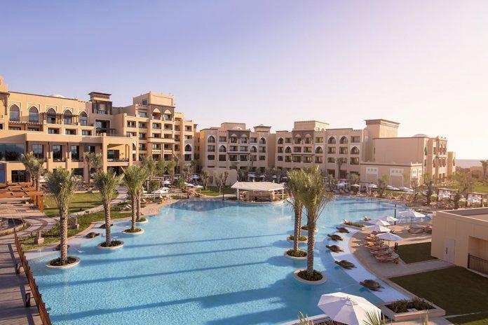 Saadiyat Rotana Abu Dhabi pool